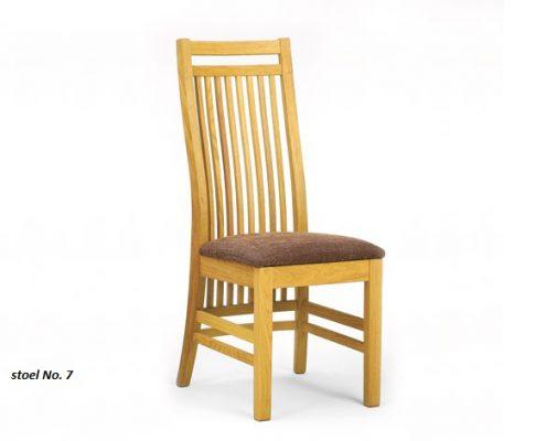 Eiken stoel nr. 7